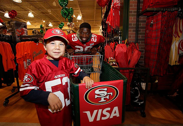 visa-49ers-shop-with-a-player-640x440