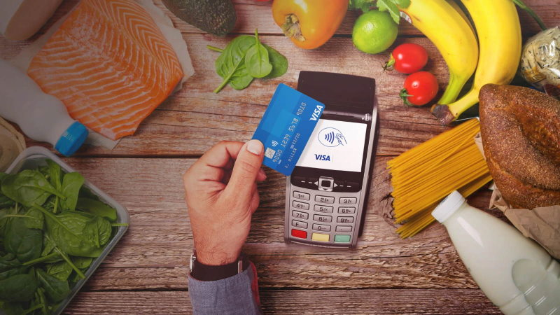Paying for food using Visa contactless